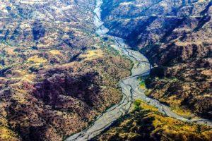 Strada tra le montagne etiopi