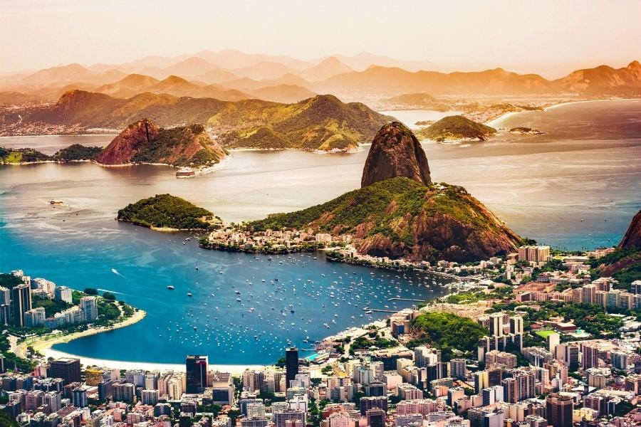 Fotografia di una città brasiliana dall'alto