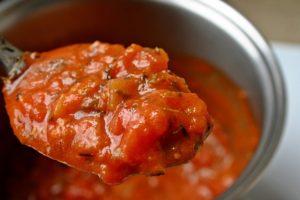Safou a la Sauce Tomate