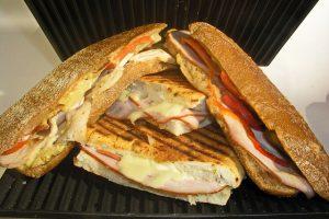 panino prosciutto e formaggio