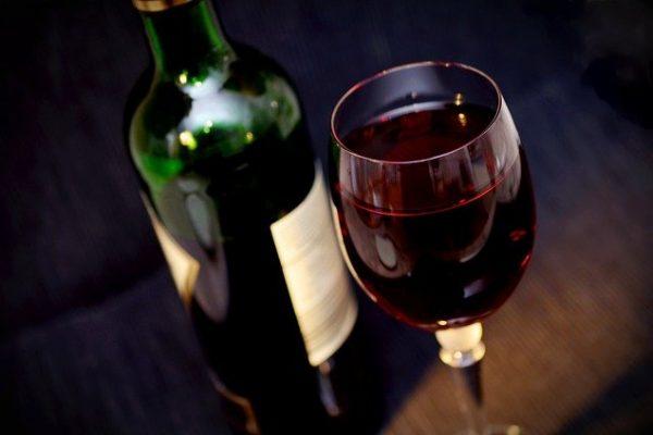 i tipici prodotti marchigiani vini e liquori