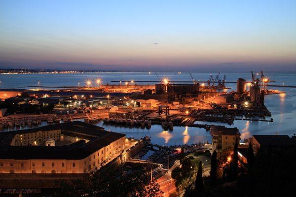 Regione ricca di porti turistici e commerciali molto famosi come quello di Ancona Civitanova e San Benedetto